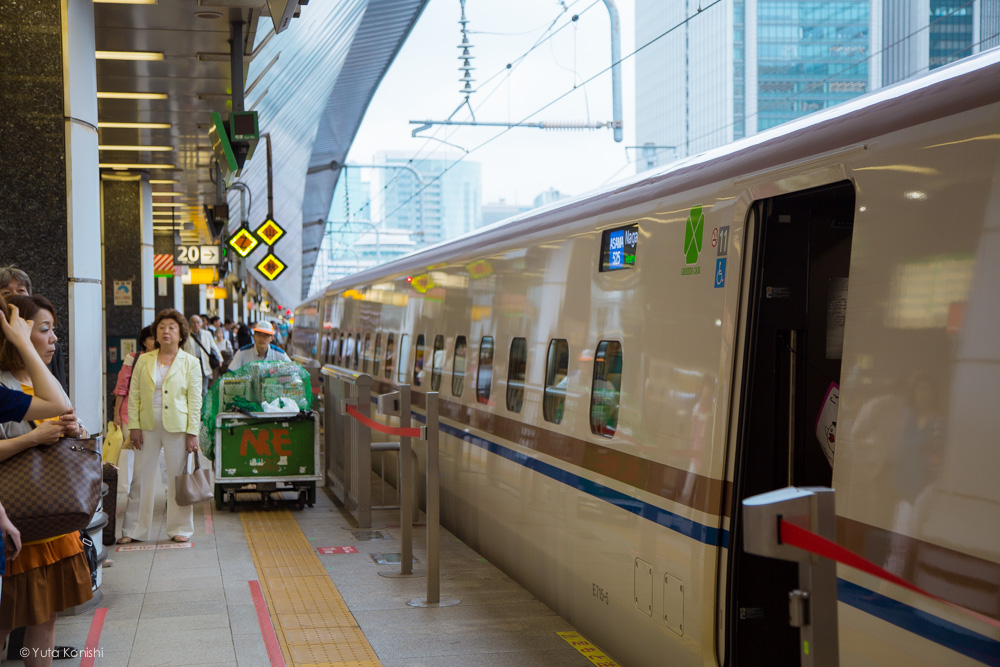 北陸新幹線 E7