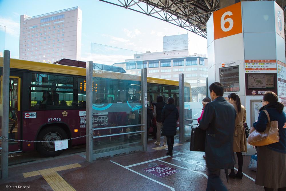 6番のりば 金沢周遊バスで周る金沢観光マニュアル!金沢観光アイドル「ゆりりん」とバスで金沢を紹介します!