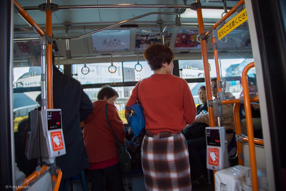 バス乗車ゆりりん 金沢周遊バスで周る金沢観光マニュアル!金沢観光アイドル「ゆりりん」とバスで金沢を紹介します!