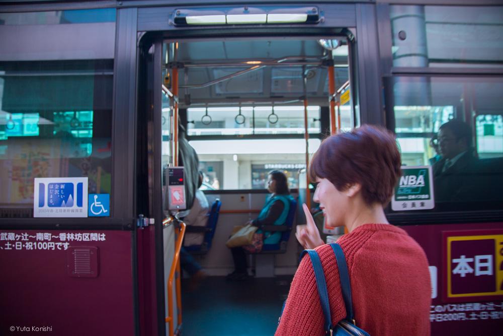 近江町市場バス停より乗車ゆりりん 金沢周遊バスで周る金沢観光マニュアル!金沢観光アイドル「ゆりりん」とバスで金沢を紹介します!