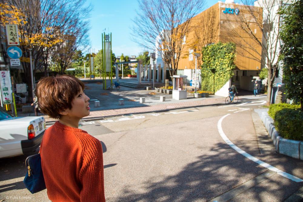 香林坊バス停〜武家屋敷跡への道中ゆりりん 金沢周遊バスで周る金沢観光マニュアル!金沢観光アイドル「ゆりりん」とバスで金沢を紹介します!