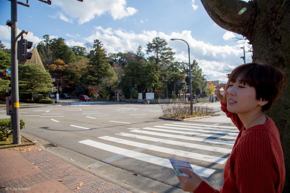 広坂の交差点ゆりりん 金沢周遊バスで周る金沢観光マニュアル!金沢観光アイドル「ゆりりん」とバスで金沢を紹介します!