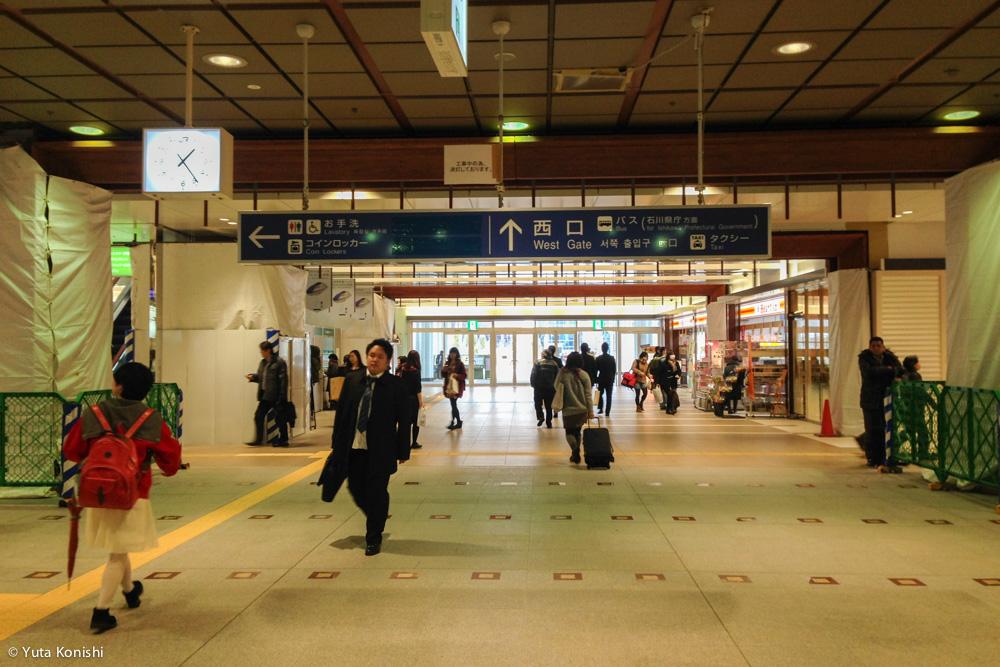 一週間前の金沢駅 えっ?全然うかれてないですよ?北陸新幹線開業前日2015年3月13日の金沢駅の様子でご確認ください。