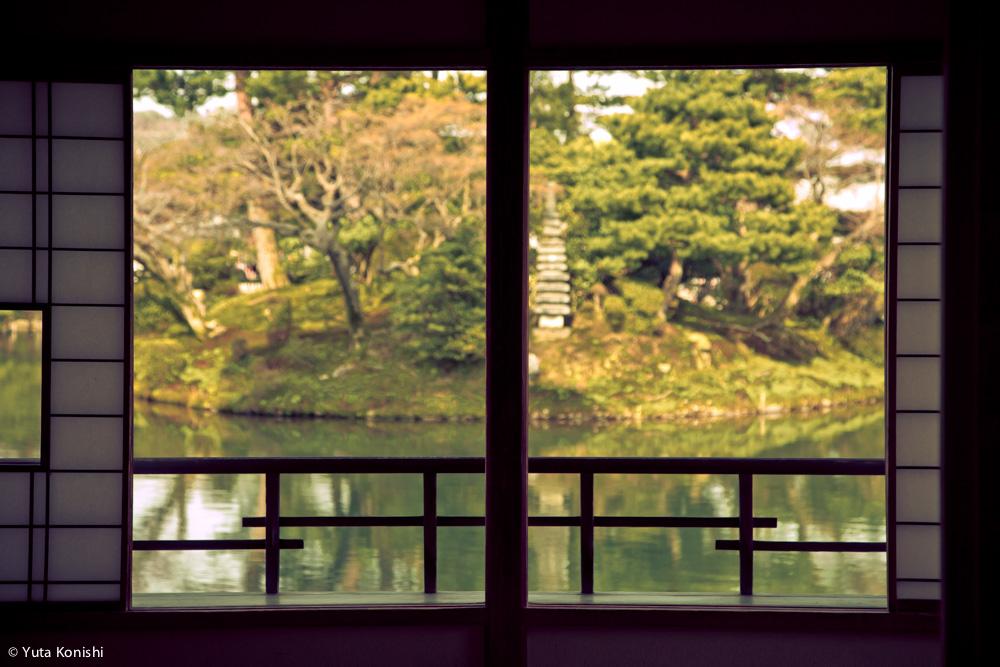 兼六園でのお花見2015年 北陸新幹線開業して初めて迎えるお花見は混んでいた。