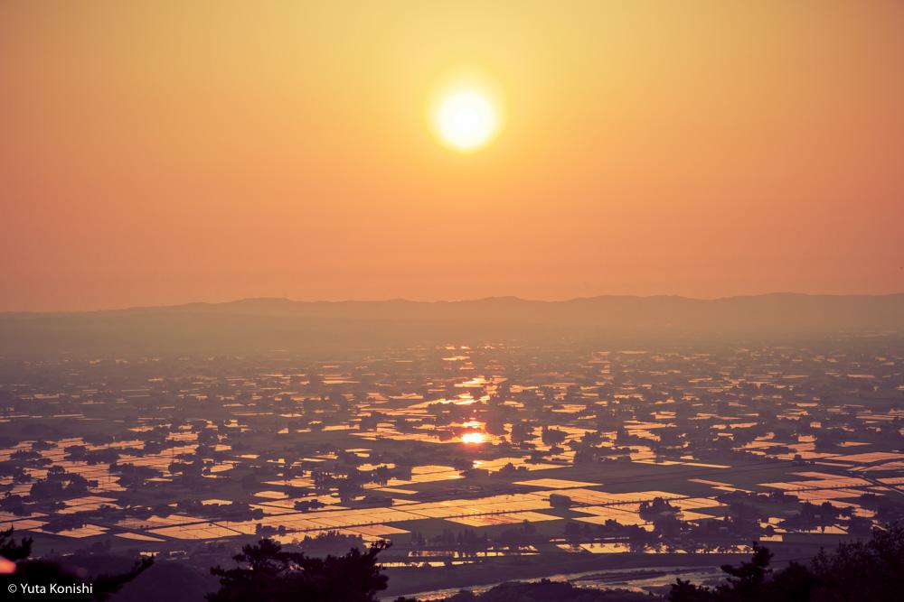 北陸が世界に誇れる絶景の田園風景「砺波平野の散居村」もうカメラマンの聖地でいいじゃん?!5月〜6月上旬が見頃