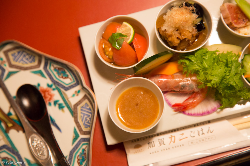 ものすごい勢いで!カニ・牡蠣・ブリ 北陸の味覚を一日ですべてを本場で食味わう究極のグルメツアー!!東京から日帰りでもできる北陸美食ツアー!!