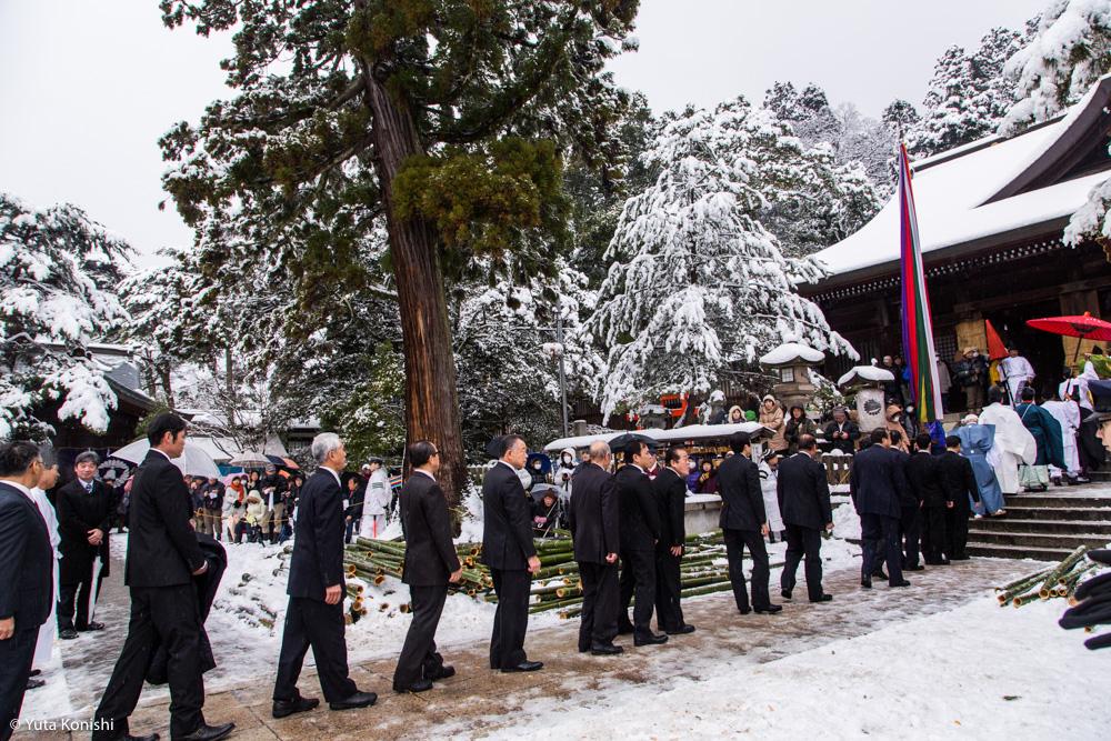 金沢市民ぜんぜん知らない!加賀市大聖寺の竹割り祭り!まじで出血するくらいの迫力の祭り!毎年必ず2月10日開催!