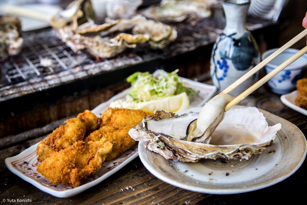 能登最強の牡蠣の店「牡蠣処 海」これ以上混雑しては困るが紹介したい!船からテーブルまでほぼ直通の牡蠣はうまいに決まっている。