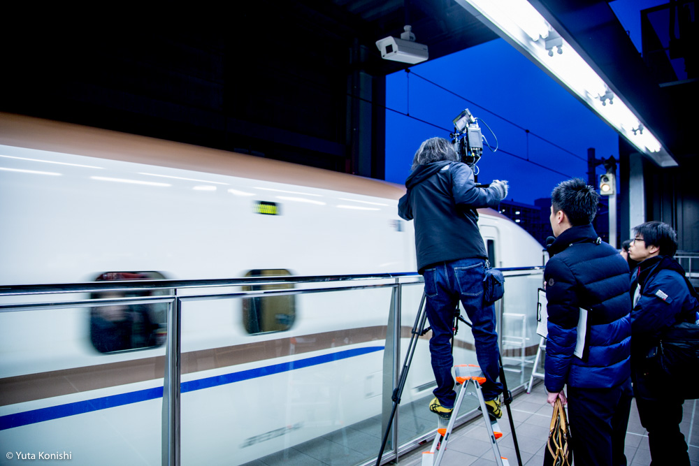 北陸新幹線開業から一年!2016年3月14日「かがやき500号」を金沢駅で見送ってきました。