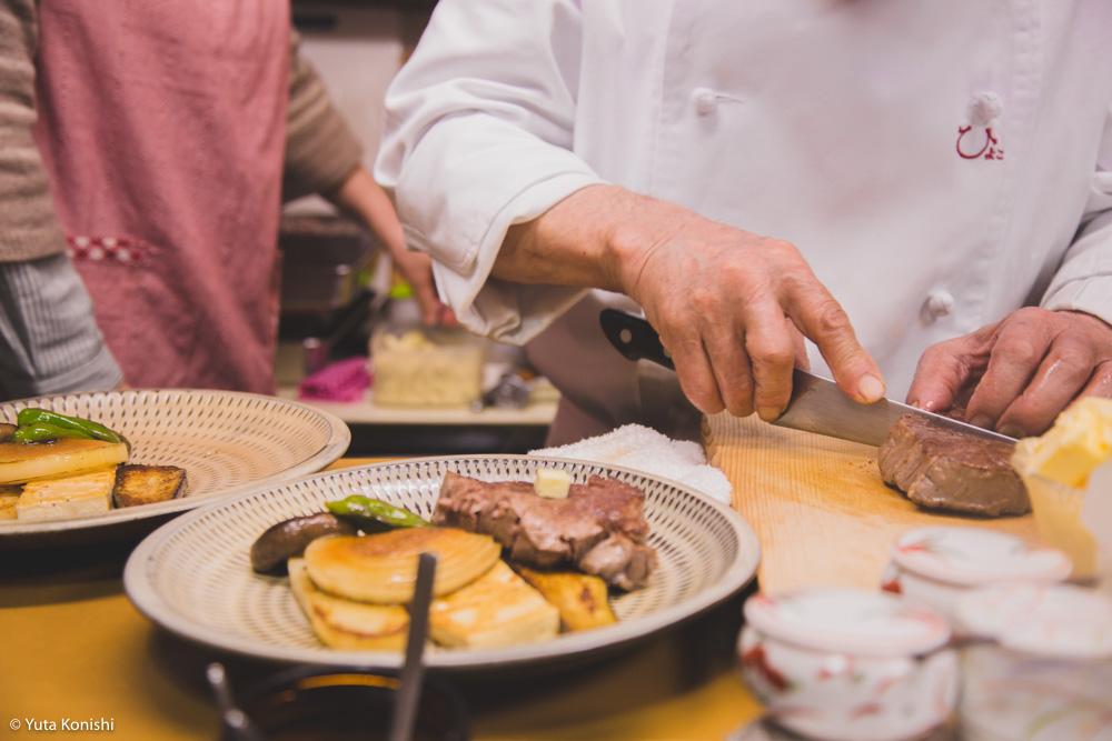金沢の伝説のステーキ屋「ひよこ」あなたのステーキ感覚が30分で完全に一新する!ステーキためだけに1万円握って金沢へ来い。